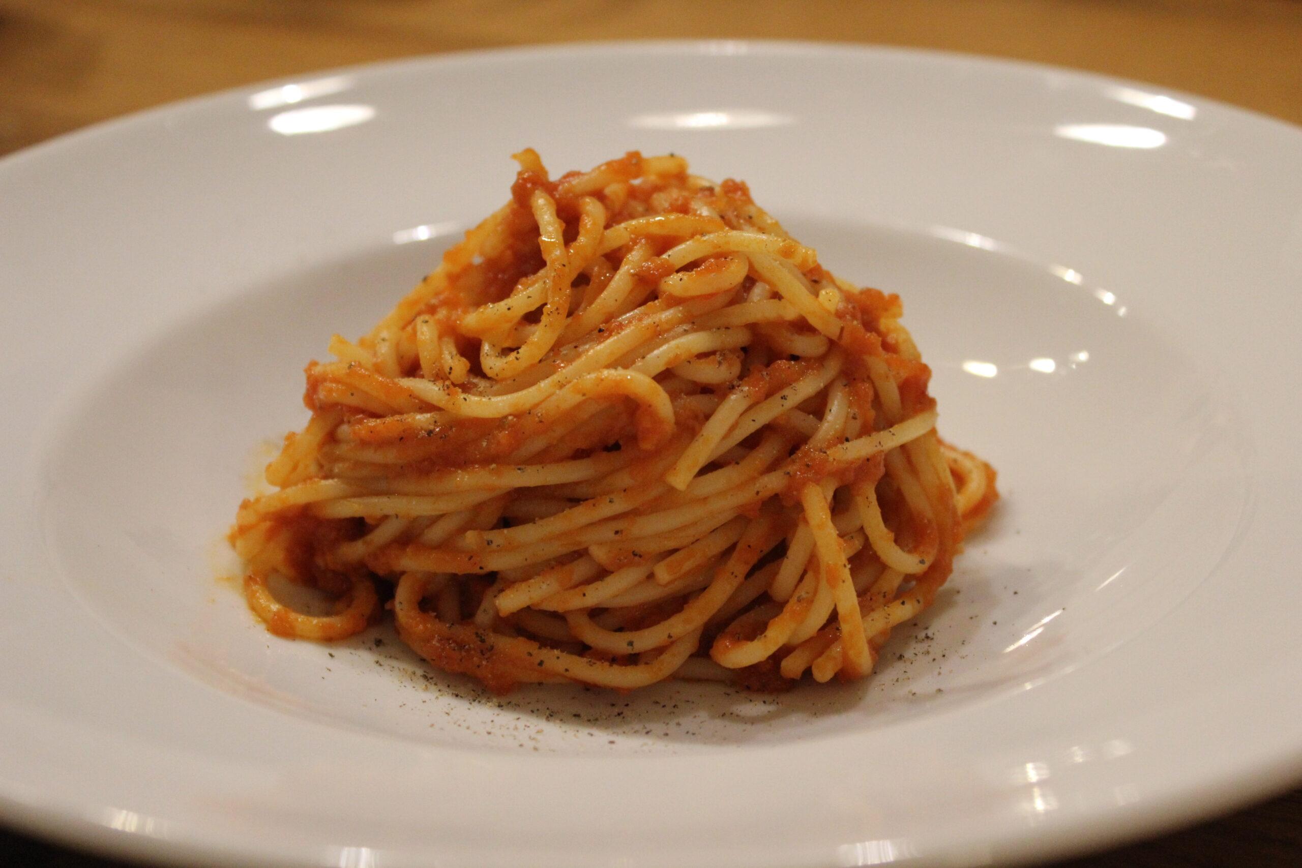 Spaghetti mit Tomatensauce - Die Langsame