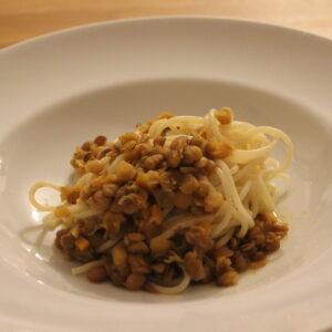 Spaghetti mit Linsensauce