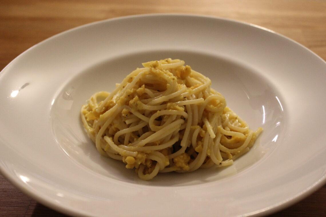 Rote Linsen Curry mit Spaghetti
